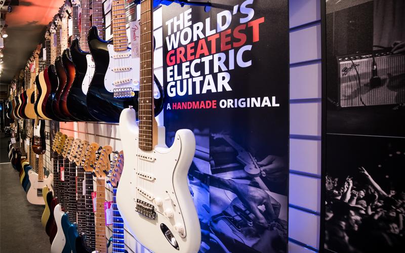 Fender vägg